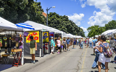 Ann Arbor Art Fair. Photo by Janet Pickel.